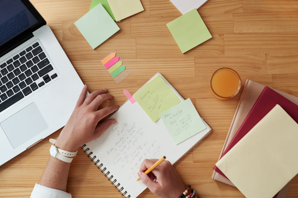 Enhancing English writing and planning studies for assignments